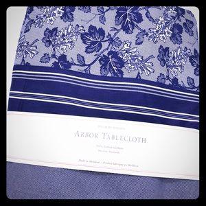 Williams-Sonoma Arbor luxe cotton tablecloth